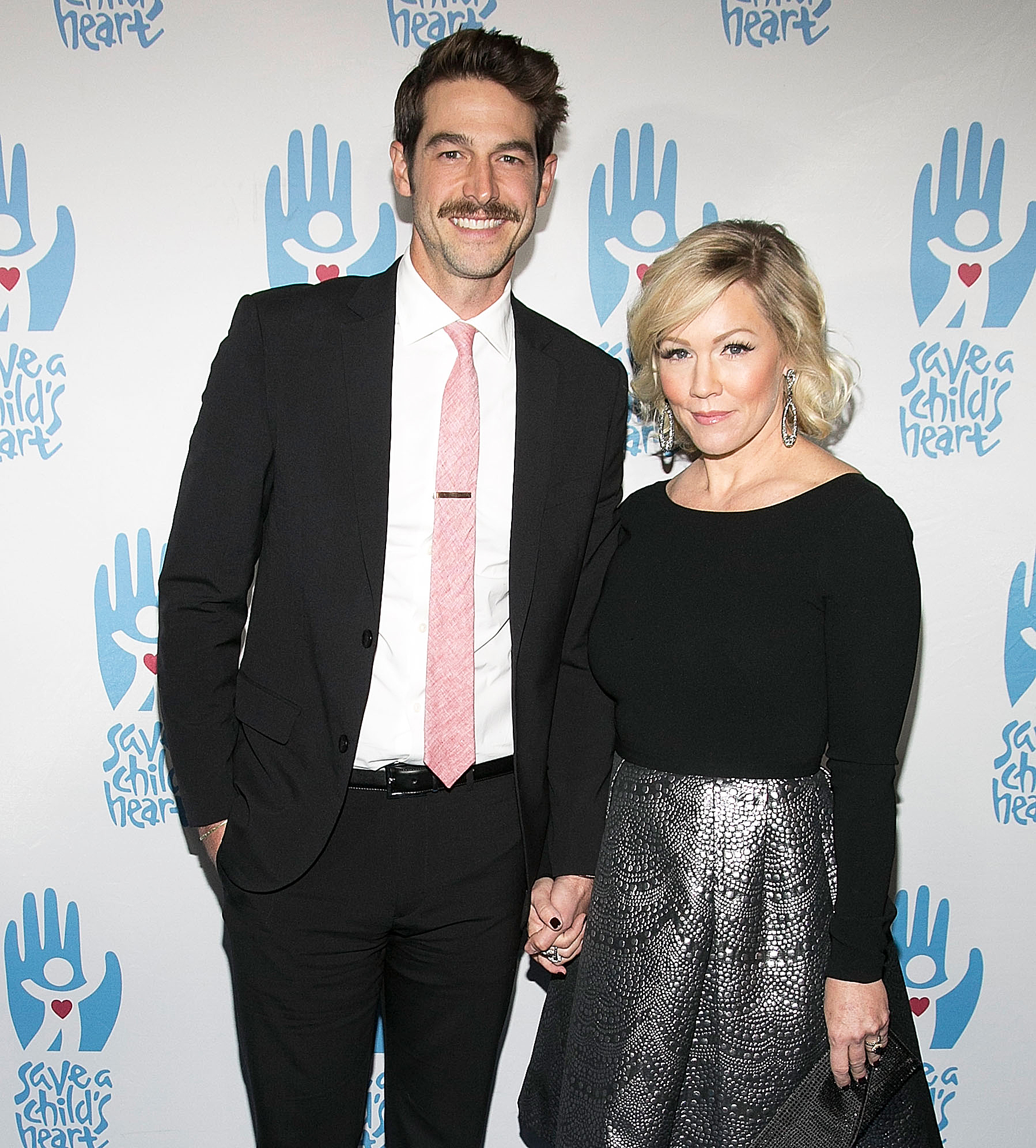 Jennie Garth's Husband Drives Her to 'BH90210' Table Read
