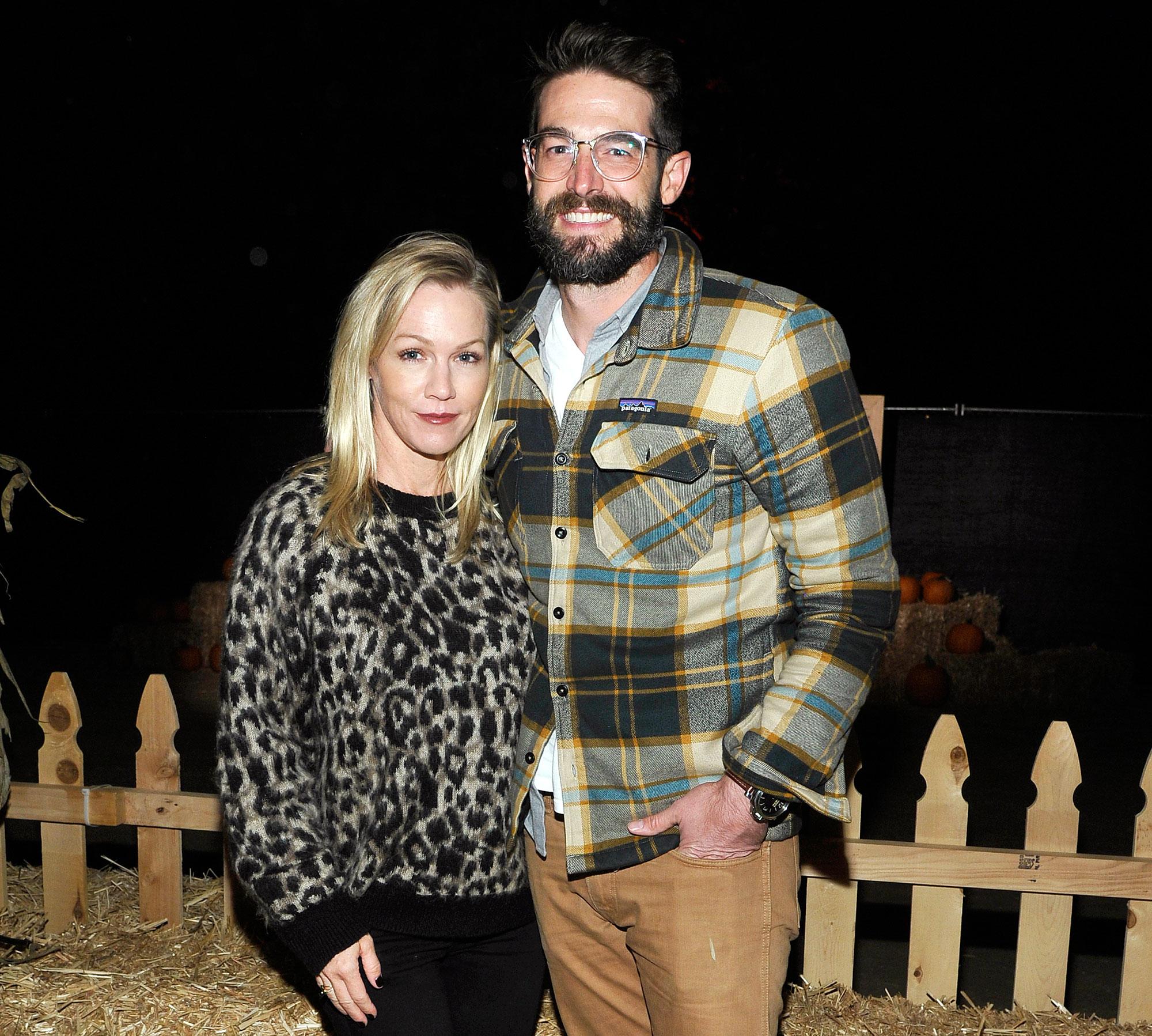 Jennie Garth Lucky Relationship Husband Dave Abrams