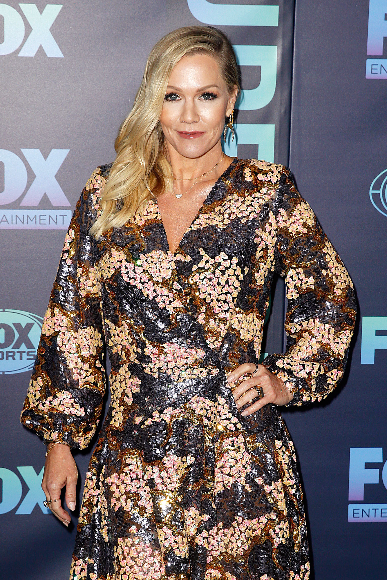 Jennie Garth BH90210 - Jennie Garth attends the 2019 FOX Upfront at Wollman Rink, Central Park on May 13, 2019 in New York City.
