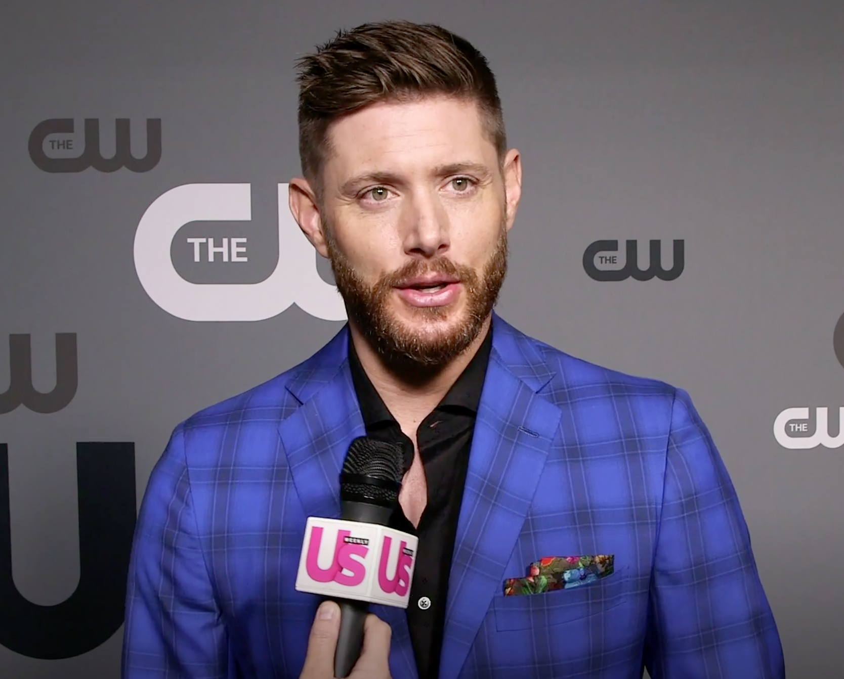 Jensen Ackles Jokes Wife Is a 'Single Mom' During ...