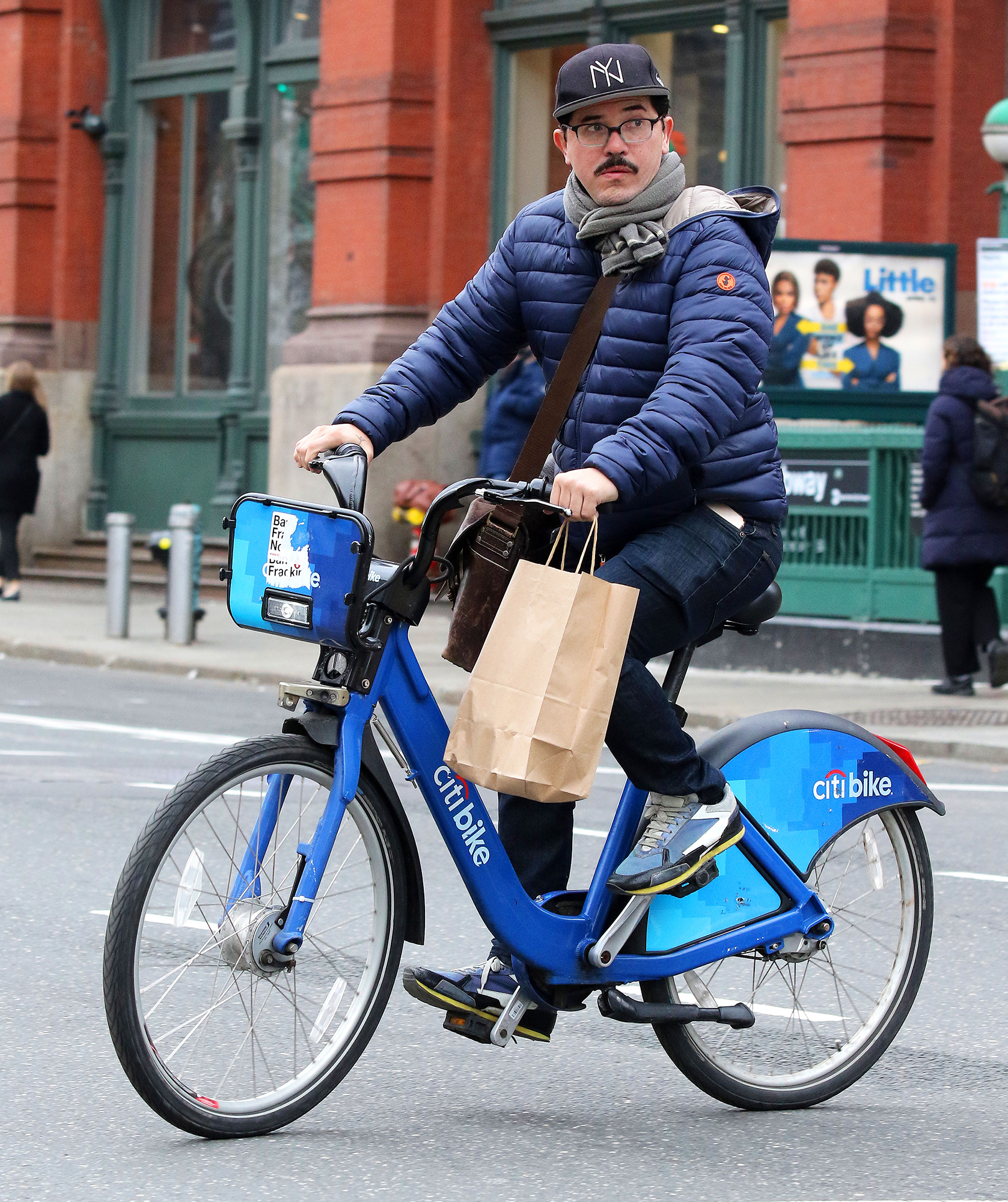 John Leguizamo Bike - The When They See Us actor went incognito on a Citi Bike in Manhattan's SoHo neighborhood on April 2, 2019.