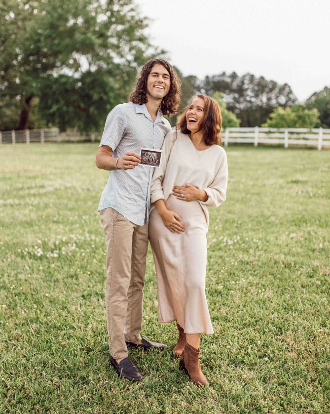John Luke and Mary Kate Robertson Expecting 1st Child, a Baby Boy