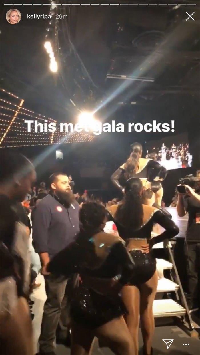 Kelly Ripa Mark Consuelos Wrestling Instead of Met Gala 2019