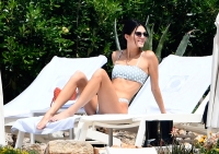 Kendall-Jenner's-Polka-Dot-Bikini