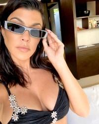 Kourtney-Kardashian-bikini