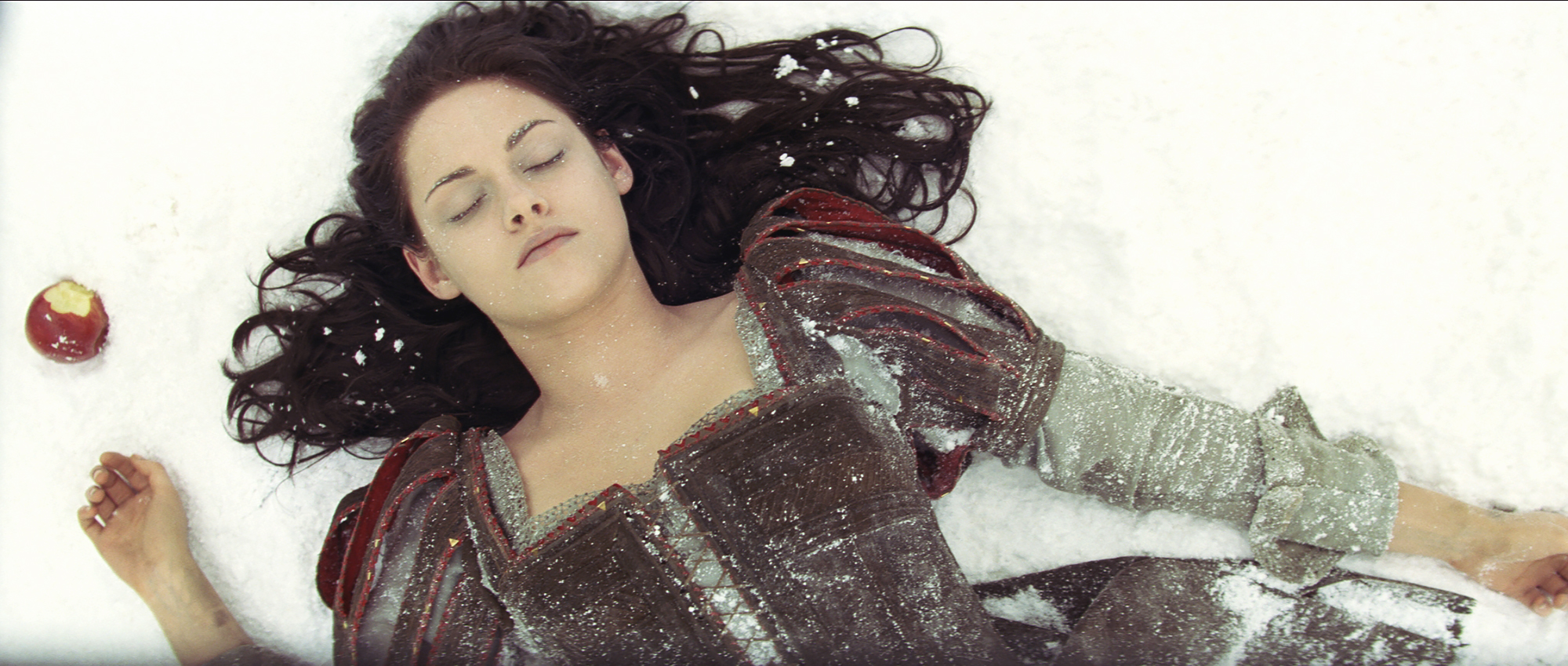 Kristen-Stewart-Snow-White - The Twilight star gave Collins — and costar/evil queen Charlize Theron — a run for their money as Snow White in 2012's Snow White and the Huntsman .