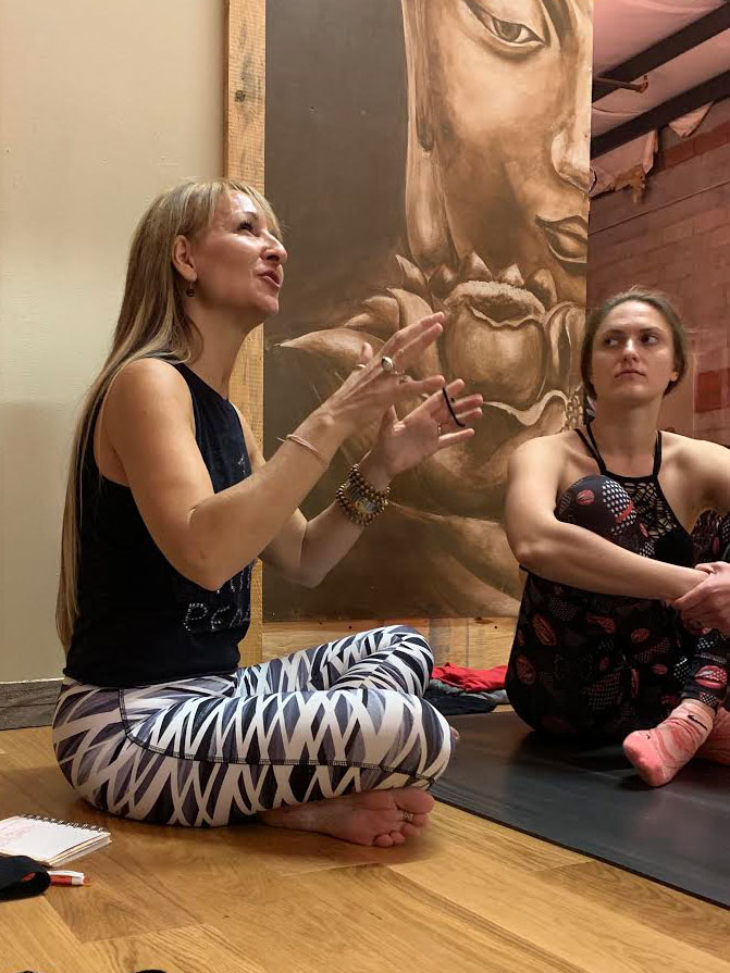 Master Yoga Instructor Shelly Kwiatkouski Shares Her Beginner's Tips to Yoga