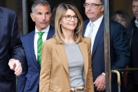 Lori Loughlin Will Return to Work After College Admissions Scandal