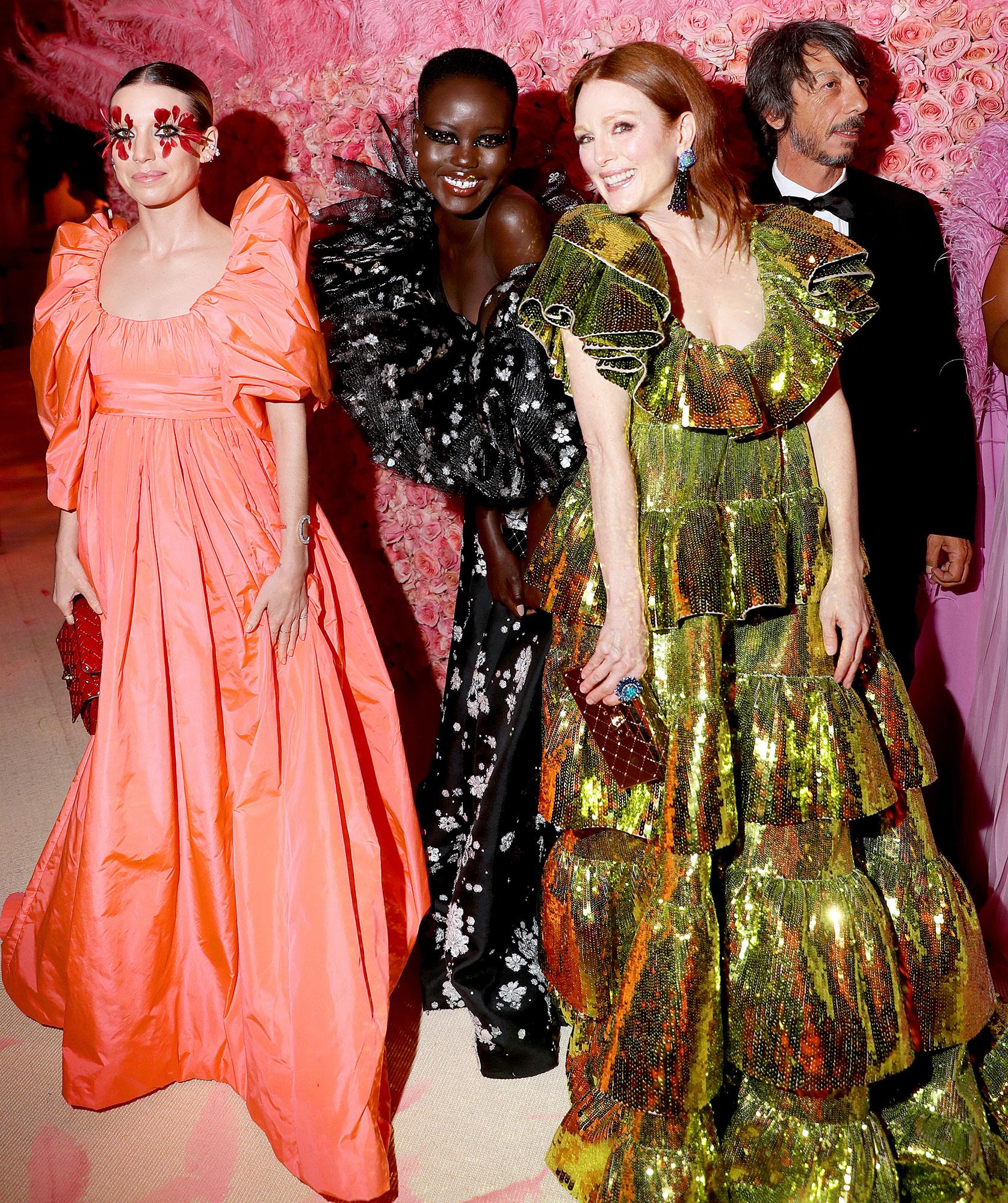 Met Gala 2019 What You Didnt See Lykke Li Adut Akech Bior Julianne Moore - Singer Lykke Li, model Adut Akech Bior and Julianne Moore stunned in over-the-top looks.