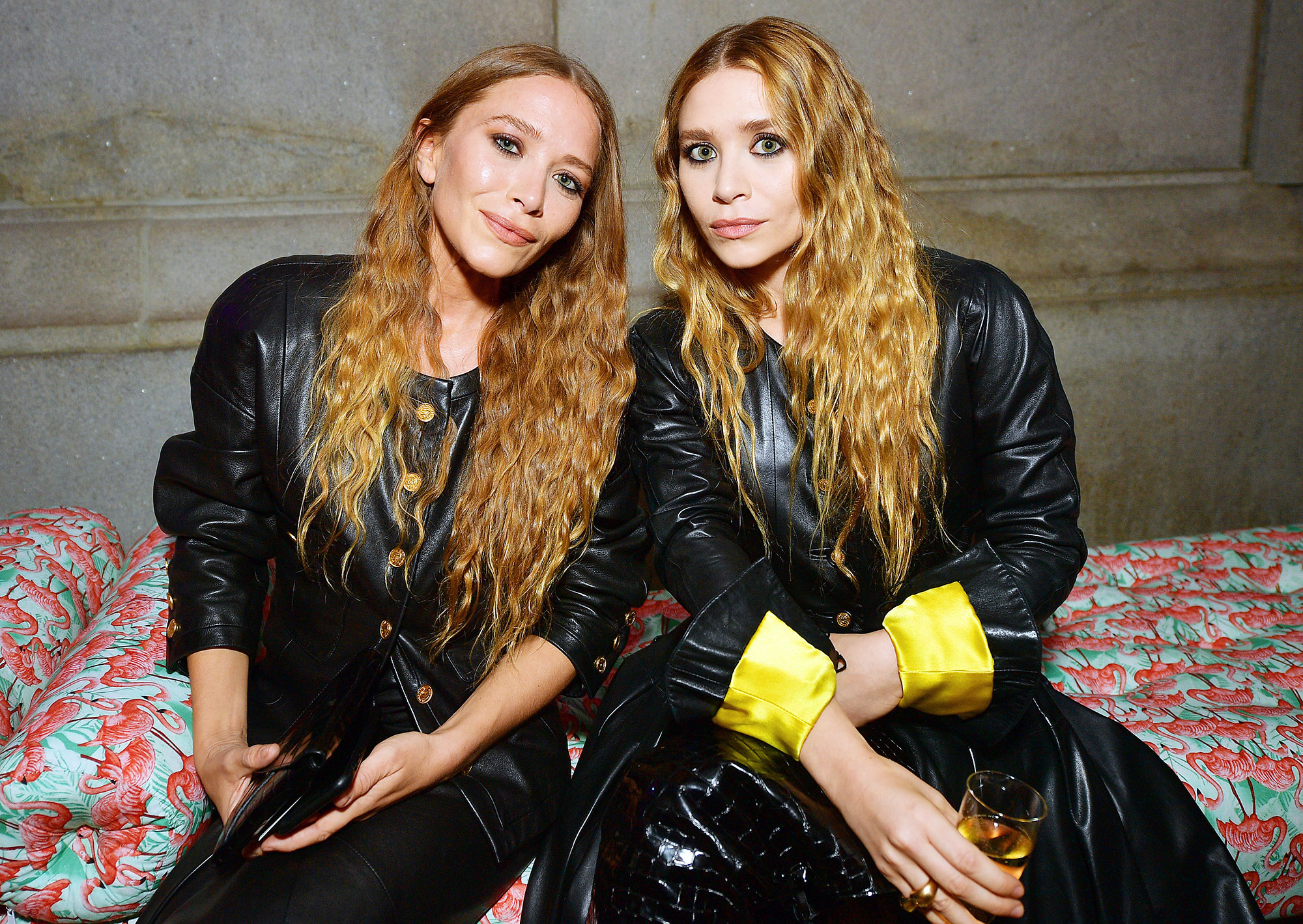 Met Gala 2019 What You Didnt See Mary-Kate Olsen Ashley Olsen - Mary-Kate and Ashley Olsen made a rare public appearance for fashion's biggest night.