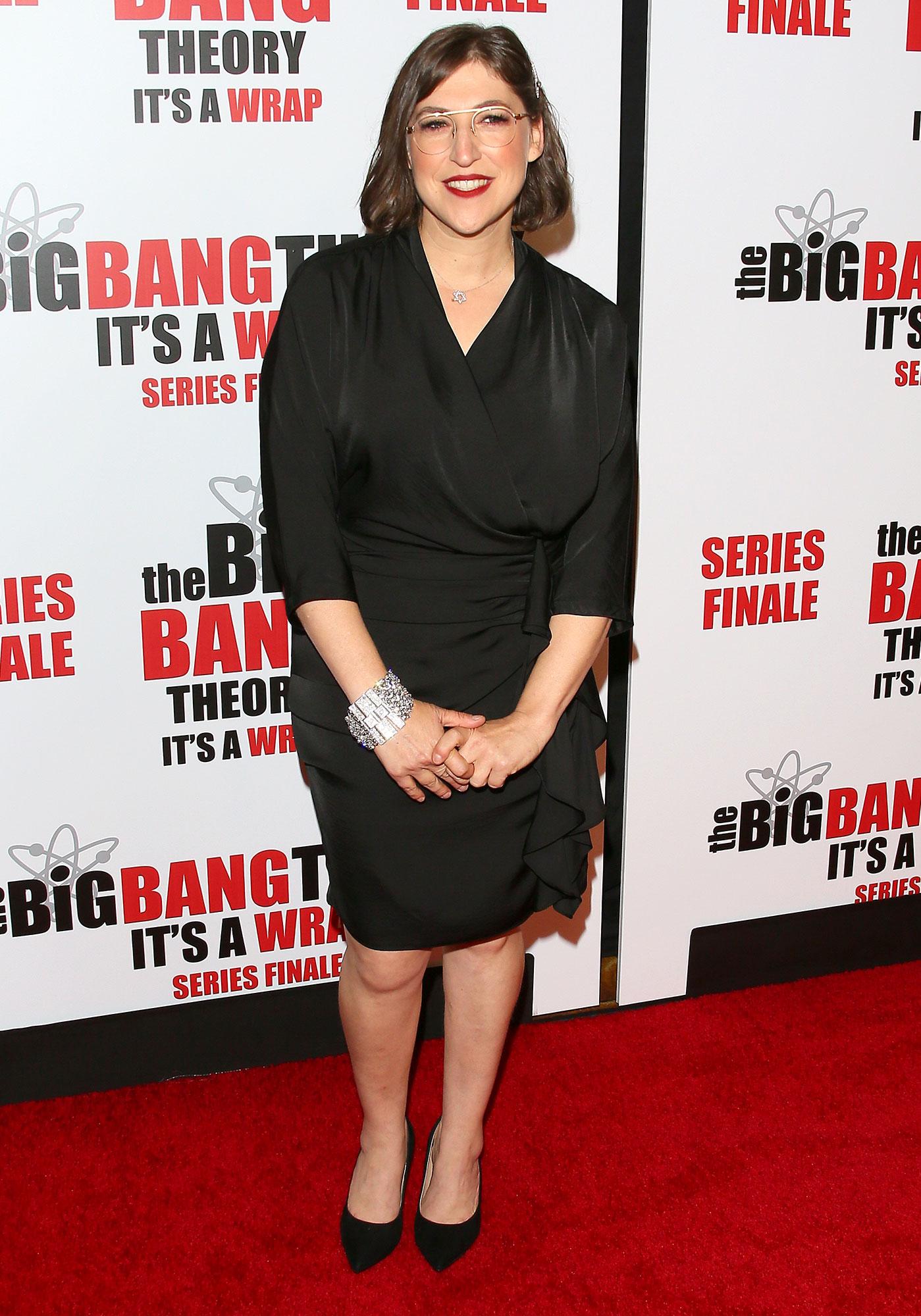 "Mayim Bialik Did Not Steal From Set - Mayim Bialik attends series finale party for CBS' ""The Big Bang Theory"" at The Langham Huntington, Pasadena on May 01, 2019 in Pasadena, California."