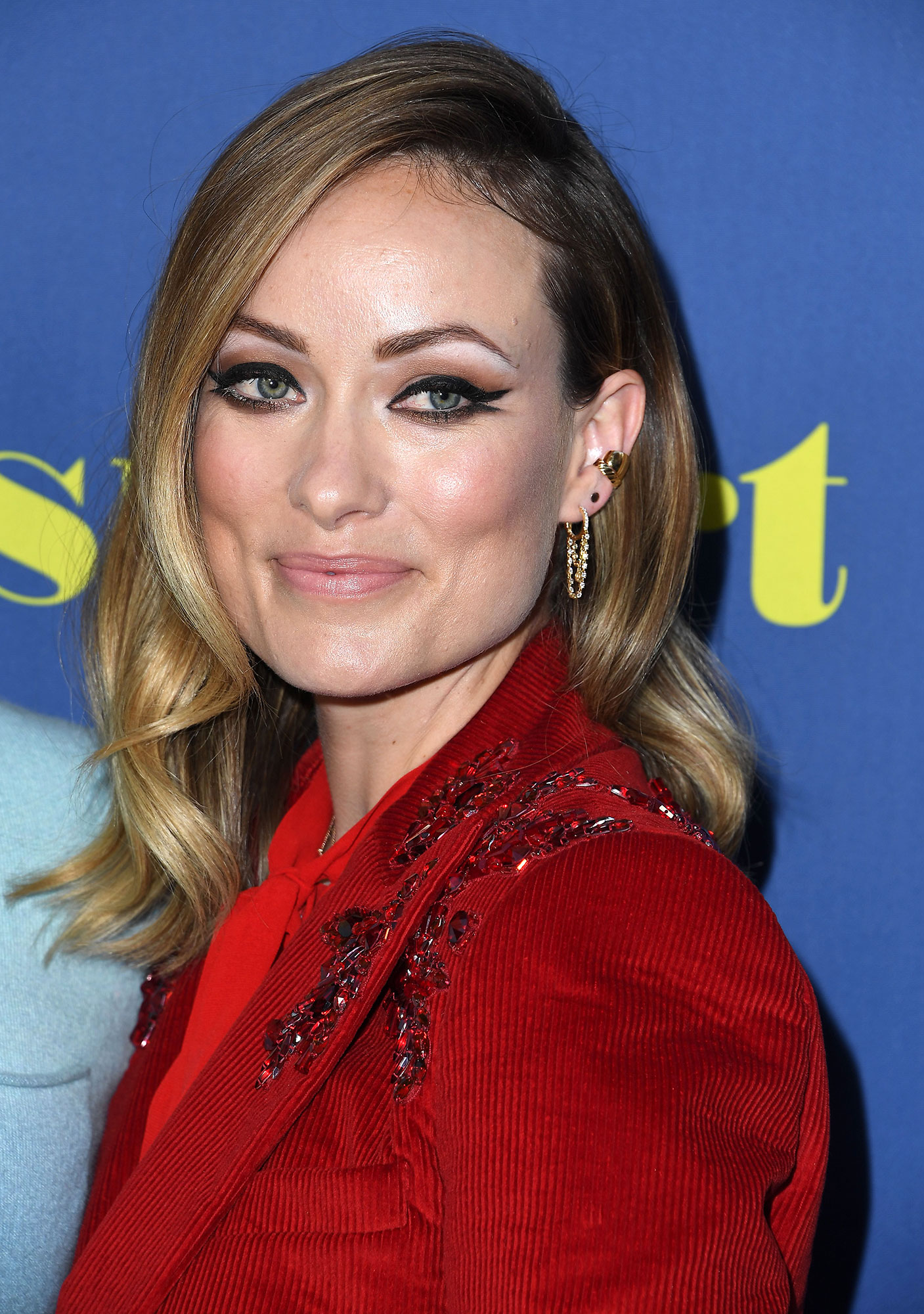 Olivia Wilde Fresh Cat Eye - At the Booksmart premiere on May 13, 2019, the first-time director lined both the top and bottom lash line with a black flick finish, the lower one a more subtle smoked-out hue.