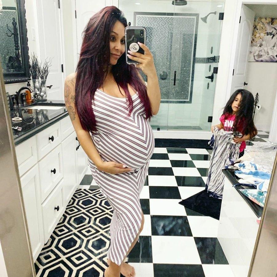 Pregnant Nicole 'Snooki' Polizzi Celebrates Baby Shower