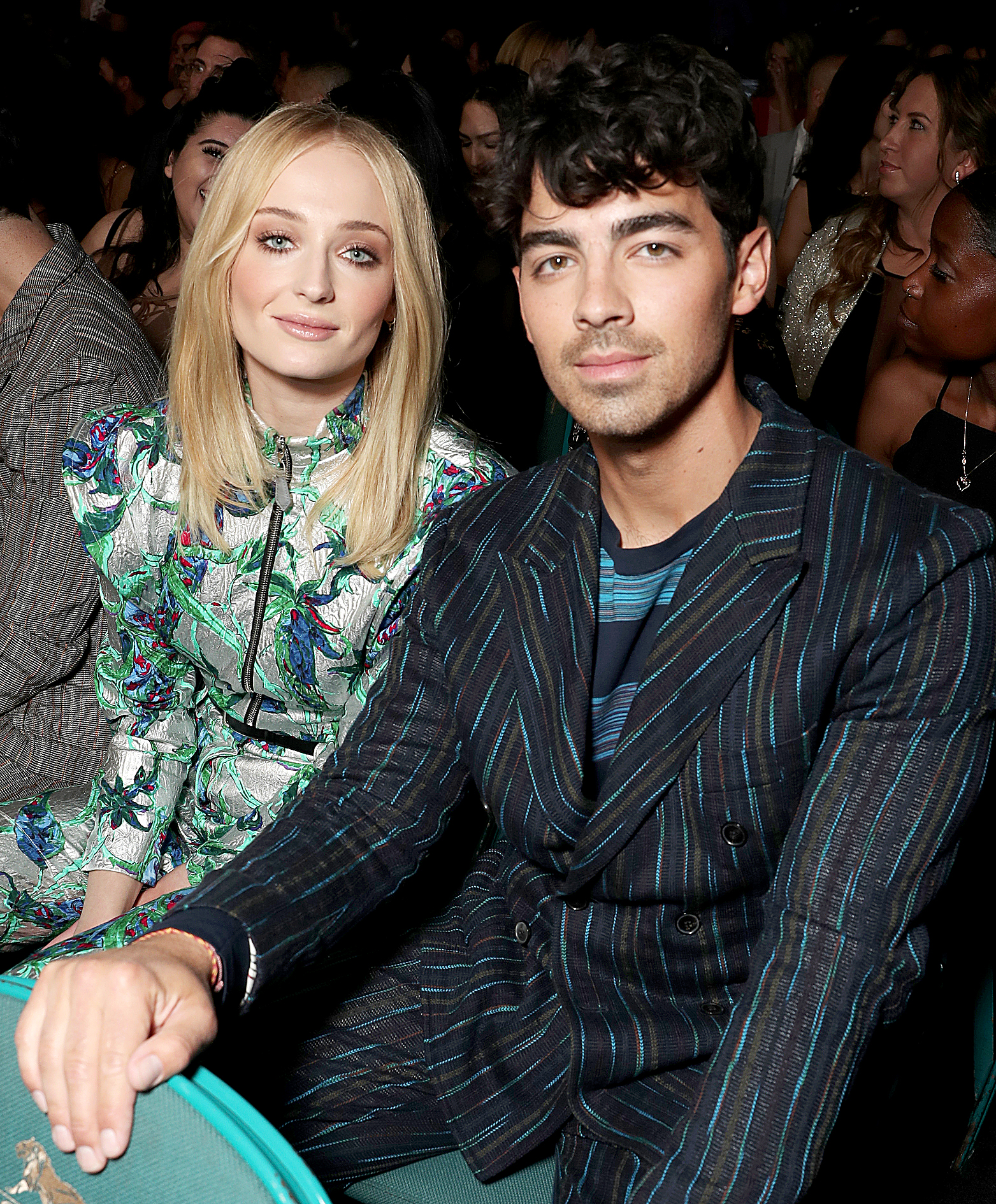 Sophie-Turner-Kisses-Joe-Jonas-BBMA-backstage