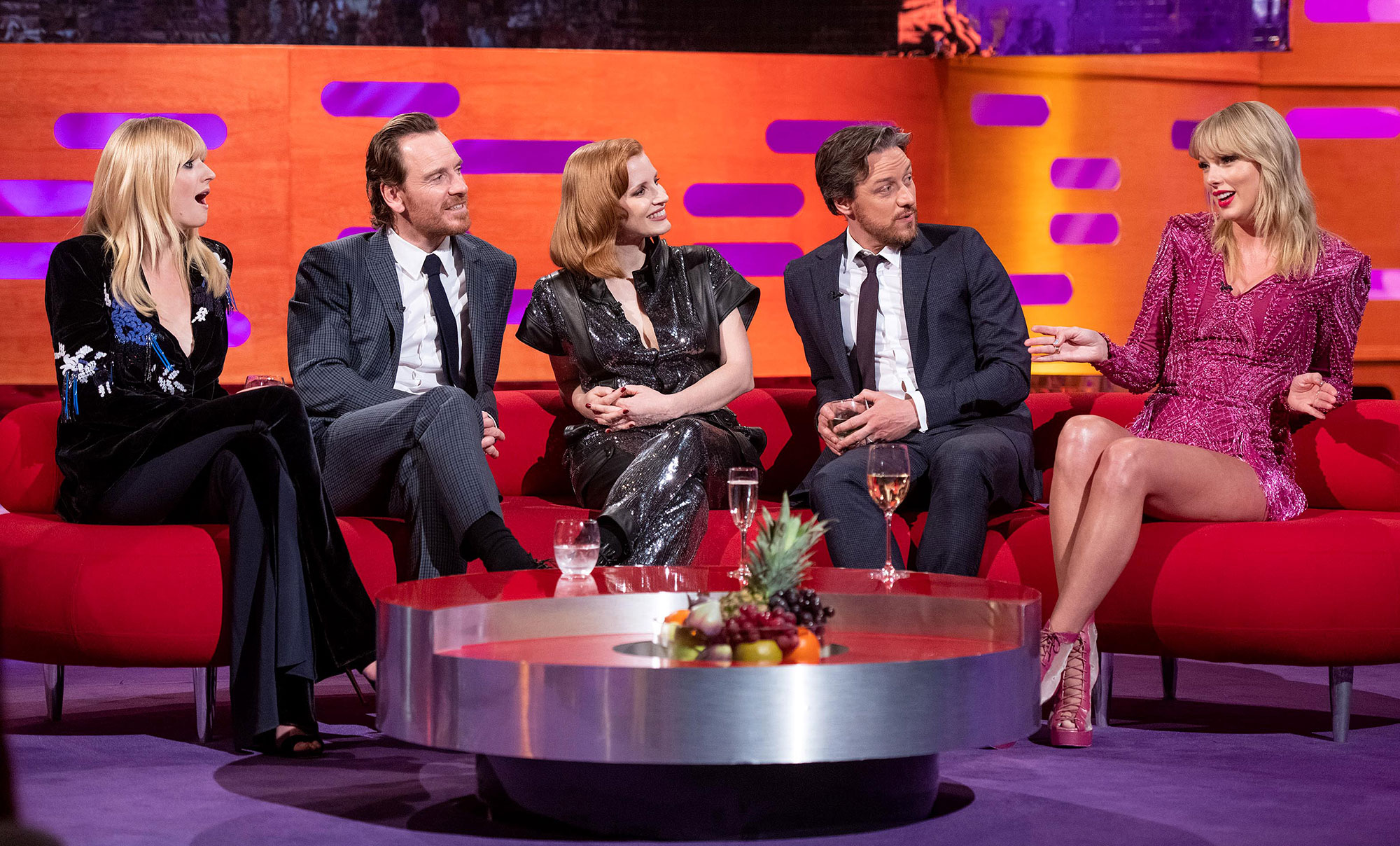 Taylor Swift and Sophie Turner Graham Norton Show - USA Rights Only – London, UK -20190523-Host Graham Norton with (left to right) Sophie Turner, Michael Fassbender, Jessica Chastain, James McAvoy and Taylor Swift during the filming of the Graham Norton Show at BBC Studioworks 6, Television Centre, Wood Lane, London, to be aired on BBC One on Friday evening. -PICTURED: Sophie Turner, Michael Fassbender, […]