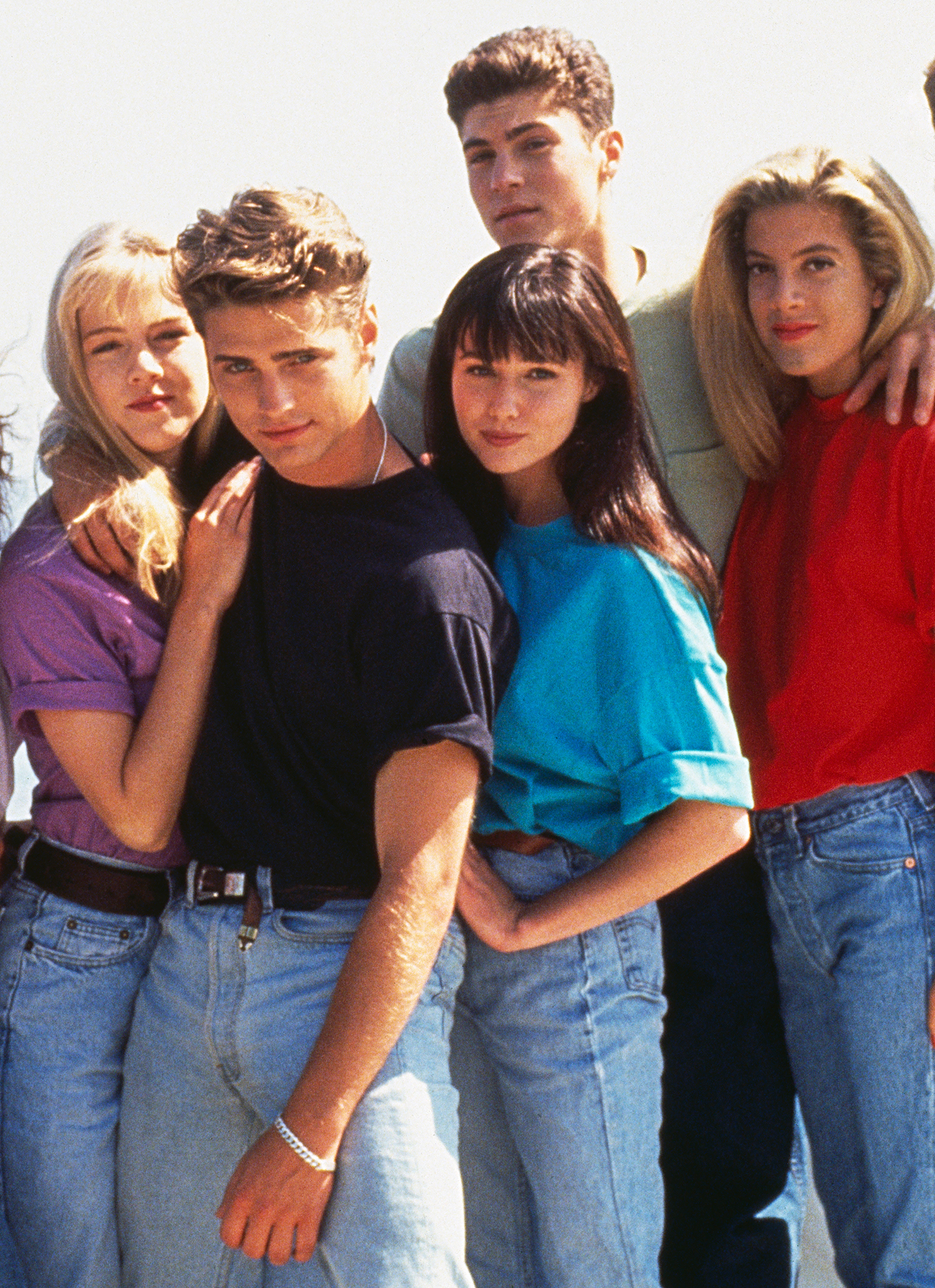 Tori-Spelling-Shannen-Doherty-90210 - The cast of 90210