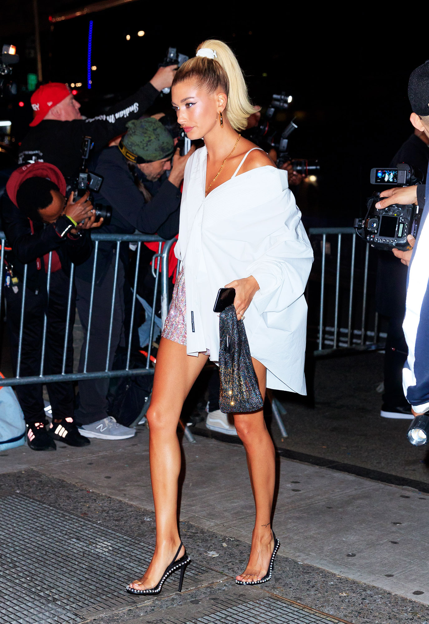 Hailey Baldwin after parties met gala 2019 - Looking just-out-of-bed chic, Justin Bieber's other half wore an oversized white button down as a dress styled with one sleeve off her shoulder
