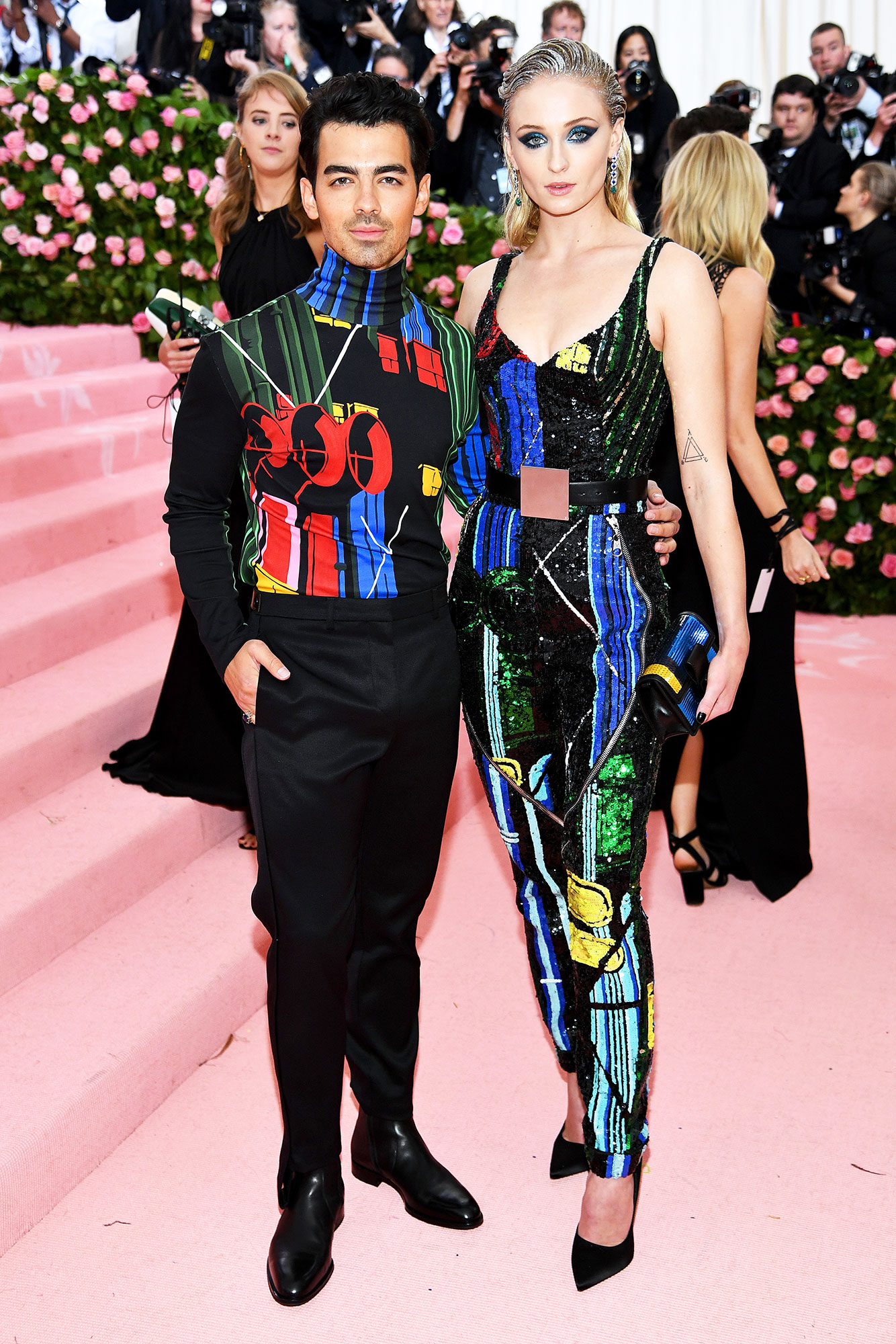 Joe Jonas and Sophie Turner met gala 2019 couples - Fresh off their surprise Las Vegas nuptials, the newlyweds matched in geometric-print Louis Vuitton looks.