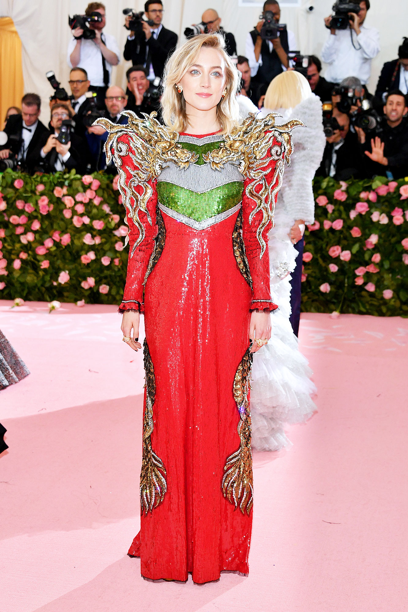 Saoirse Ronan met gala 2019 - Wearing a dragon-adorned Gucci gown.