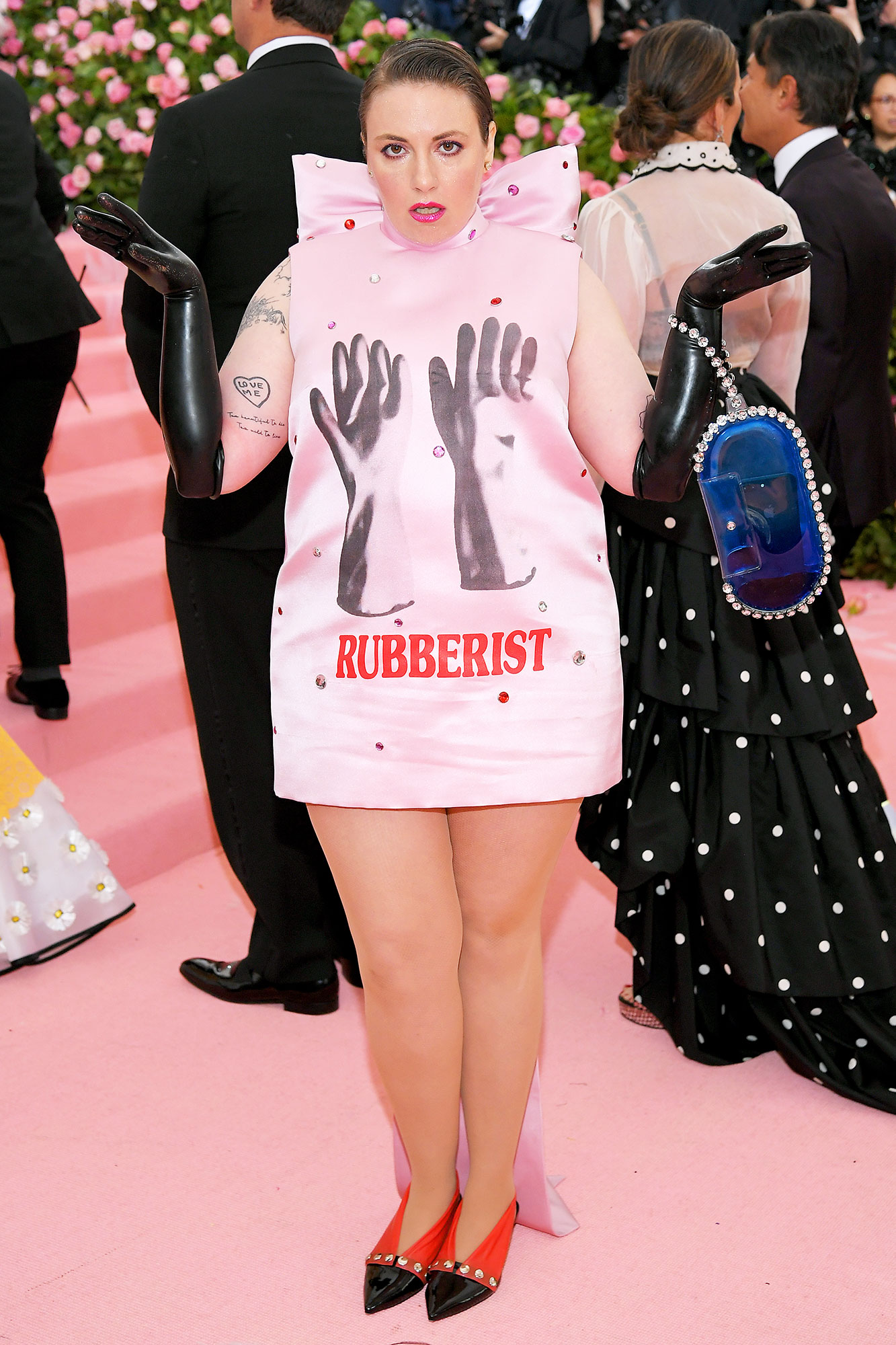 Lena Dunham met gala 2019 - Wearing a pink printed Christopher Kane minidress.