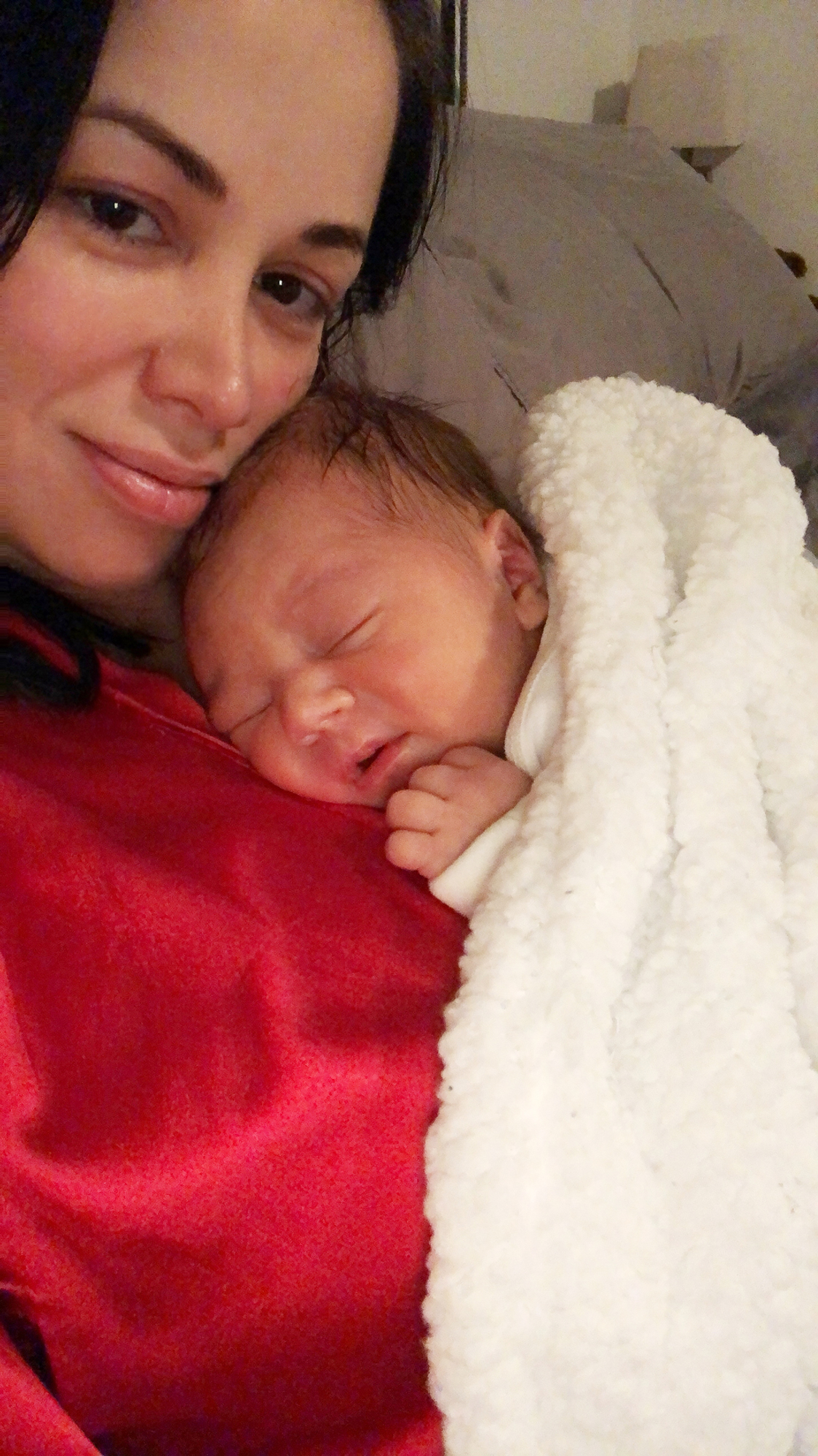 90 Day Fiance's Paola and Russ Mayfield Share Home Birth Photos