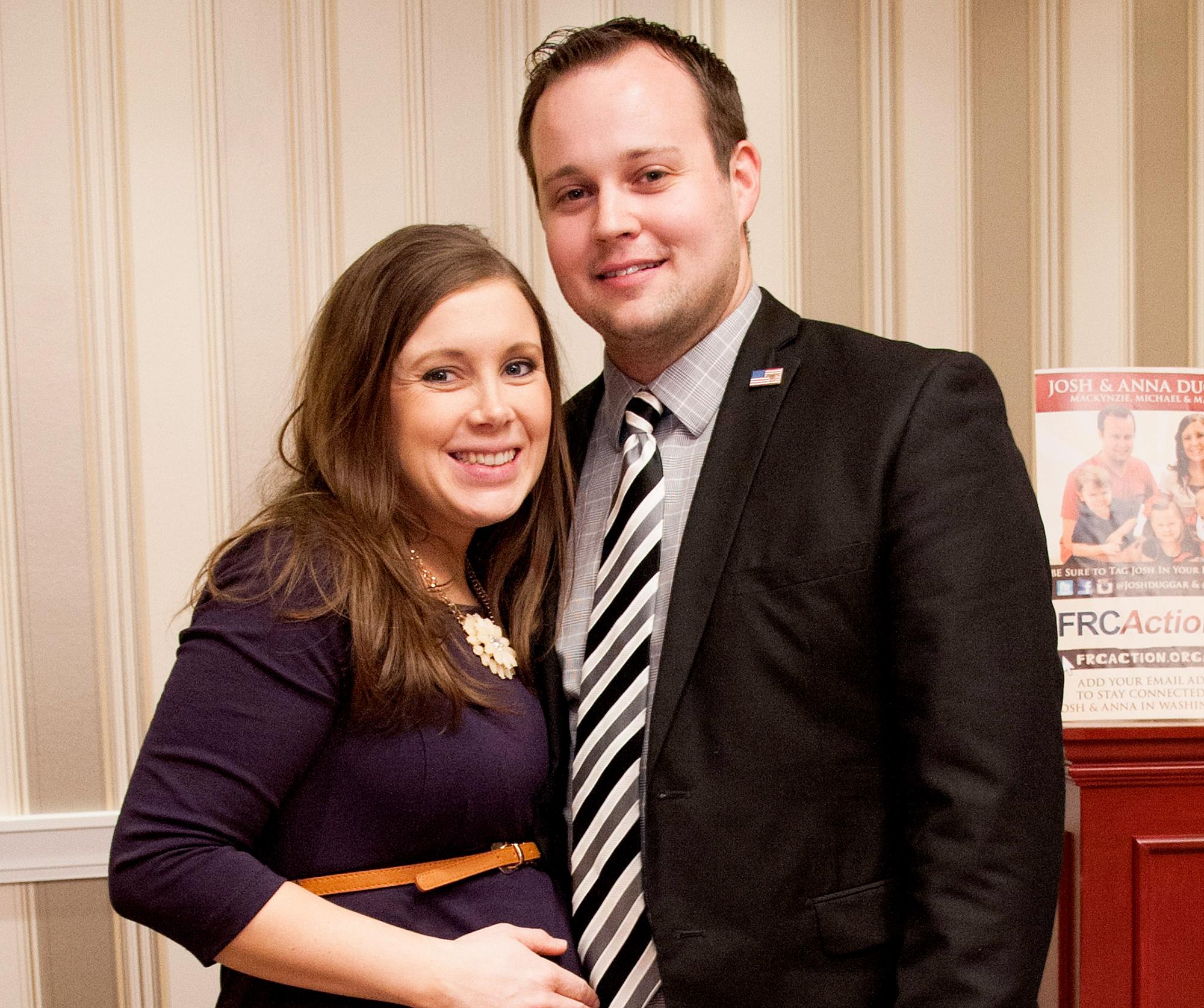 Anna-Duggar-Josh-Duggar-expecting-baby-girl