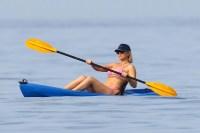 Bikini Kate Hudson Vacation Boyfriend Danny Fujikawa Goldie Hawn Kurt Russell