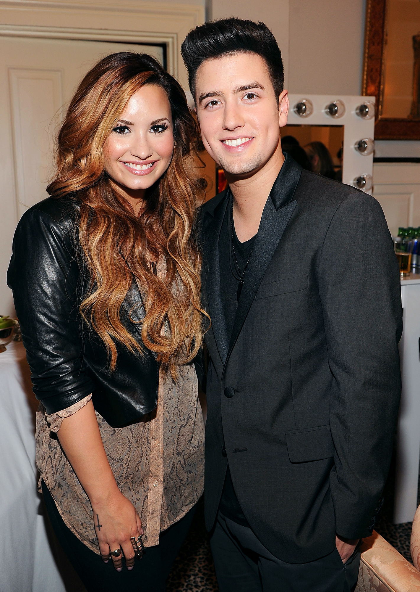 Who is demi lovato dating today who pays