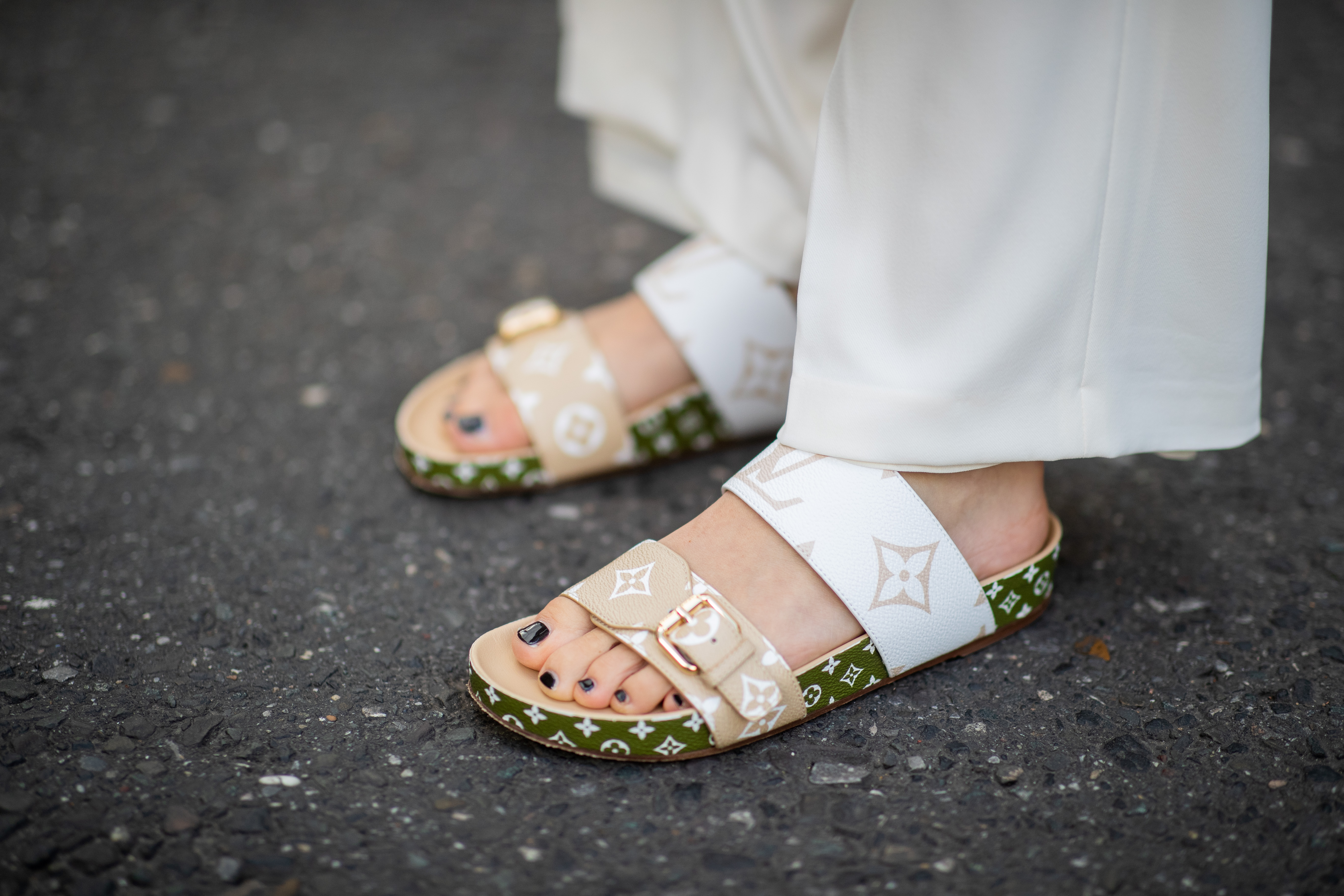 751b58294ce35 4 Comfy Flat Sandals for Summer Our Editors Love Right Now
