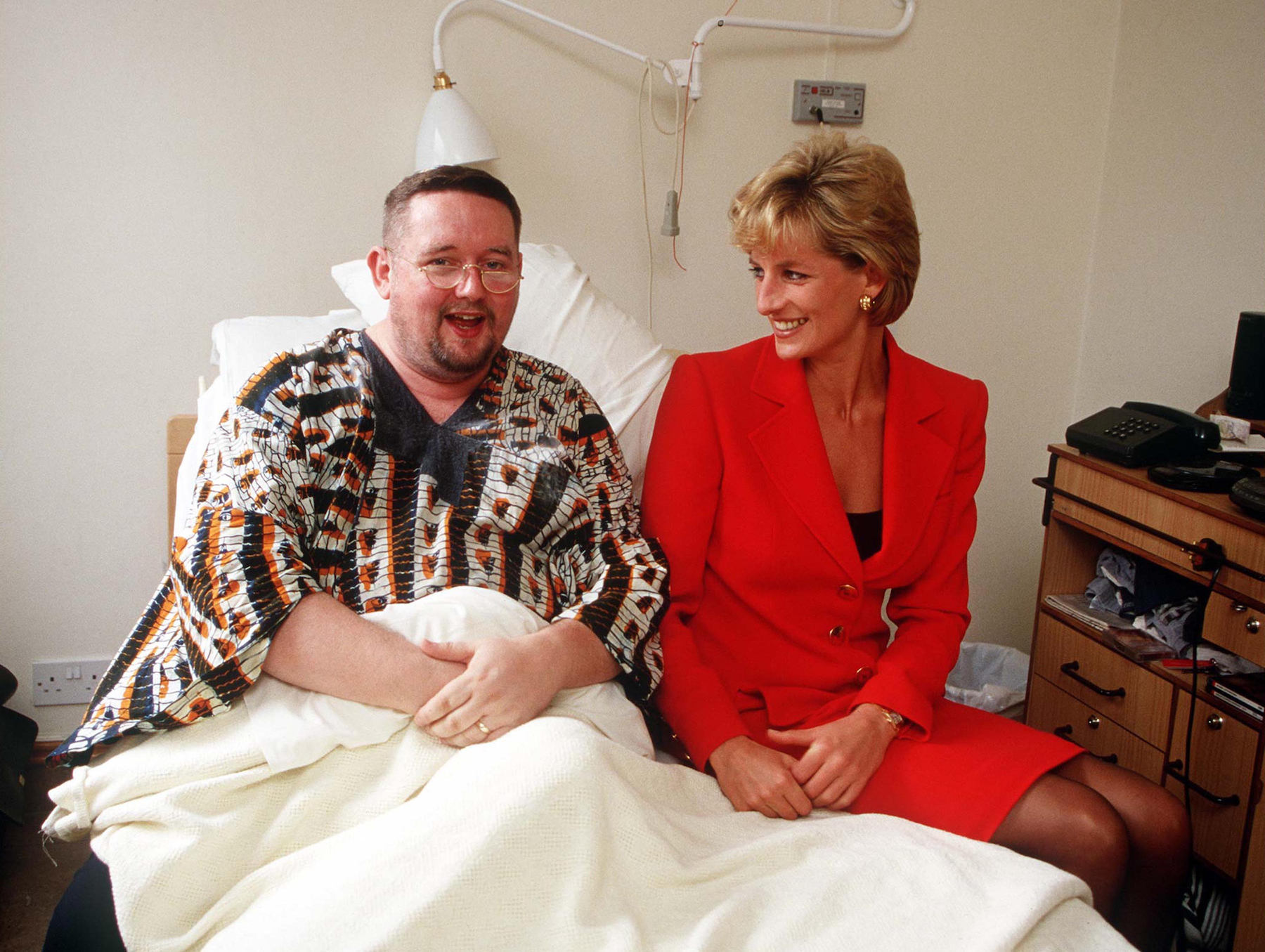 Princess Diana - Princess Diana visiting a patient at the London Lighthouse, a centre for people affected by HIV and AIDS, in London, October 1996.