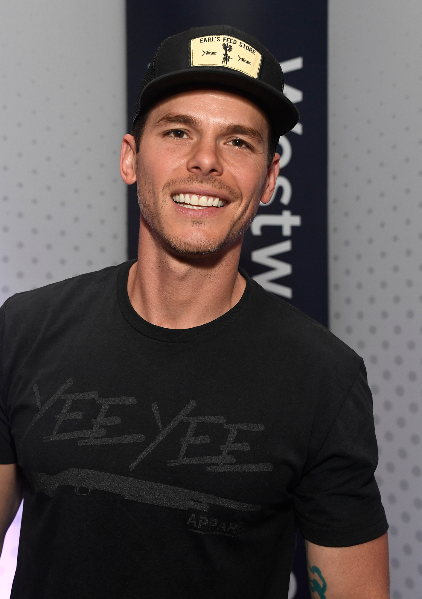 244148904403a7 Granger Smith's Yee Yee Apparel Line Honors Late Son River With T-Shirt