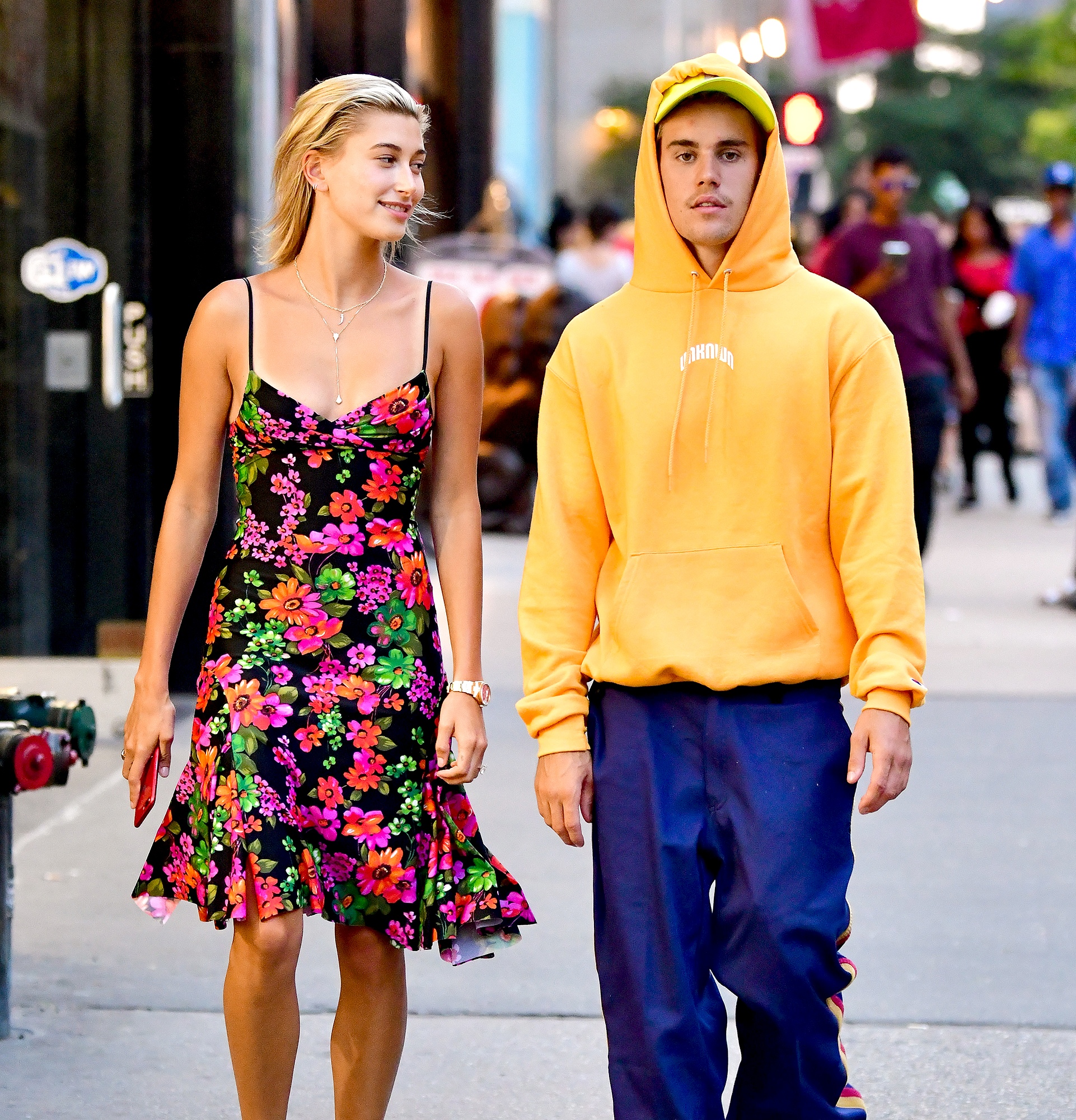 Hailey-Baldwin-Justin-Bieber-rock