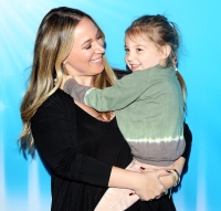 Haylie-Duff-with-her-daughter