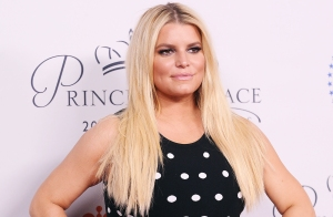 Jessica Simpson Postpartum Ankles After Swollen Pregnancy Feet