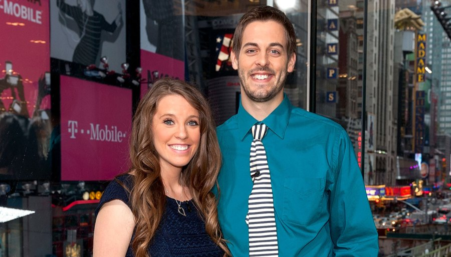 Jill Duggar and Derick Dillard Read Kama Sutra and Play a Sex Game to Celebrate Their 5th Anniversary Extra New York Studios Navy Dress Teal Shirt