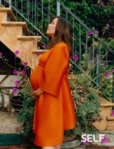 Pregnant Alanis Morissette Preparing Herself For Postpartum Depression