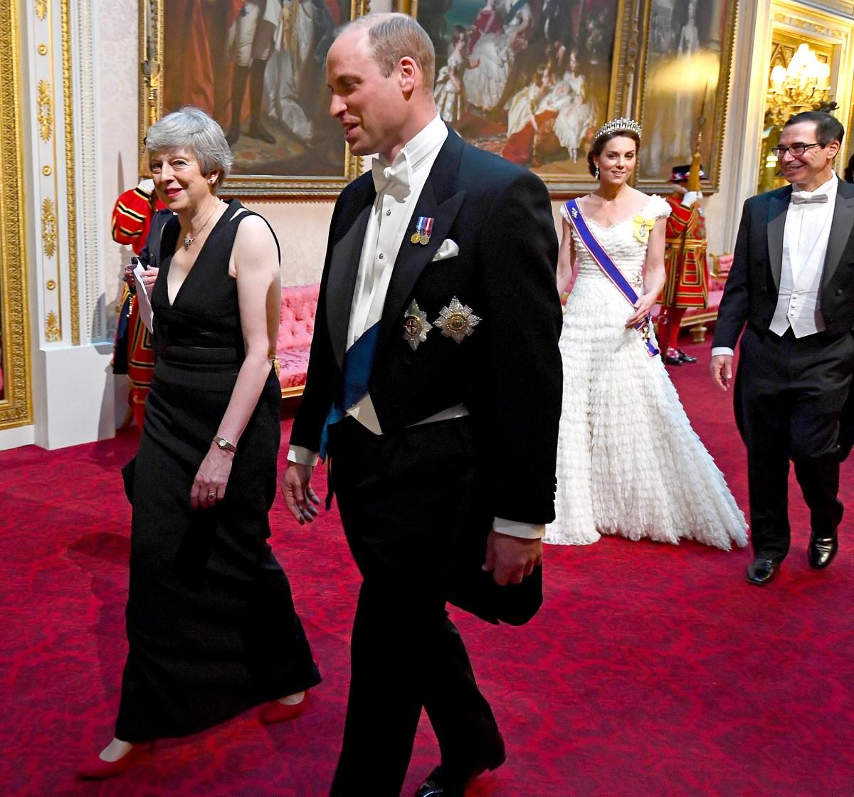 Znalezione obrazy dla zapytania duchess kate State banquet trump