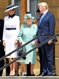 Queen Elizabeth II Welcomes Donald, Melania Trump to Palace: Pics