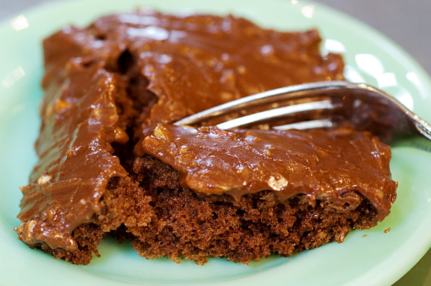 Ree-Drummond-chocolate-cake-recipe-1