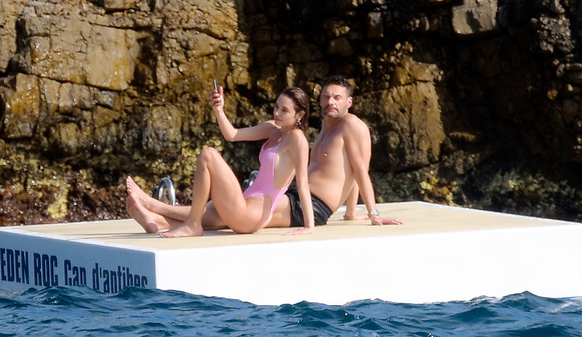 Ryan-Seacrest-mystery-woman-bikini