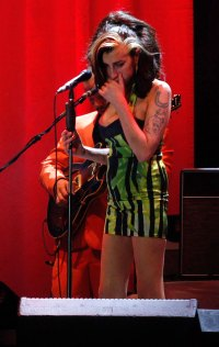 Forgets The Words To Her Song Amy Winehouse Gallery