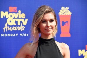 Audrina Patridge Cries Over Single Motherhood