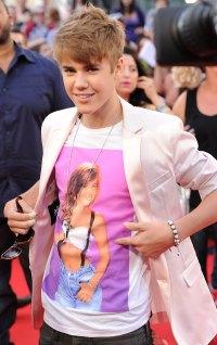 Celebs Wearing Celebs - Justin Bieber Wears Tiffani Thiessen