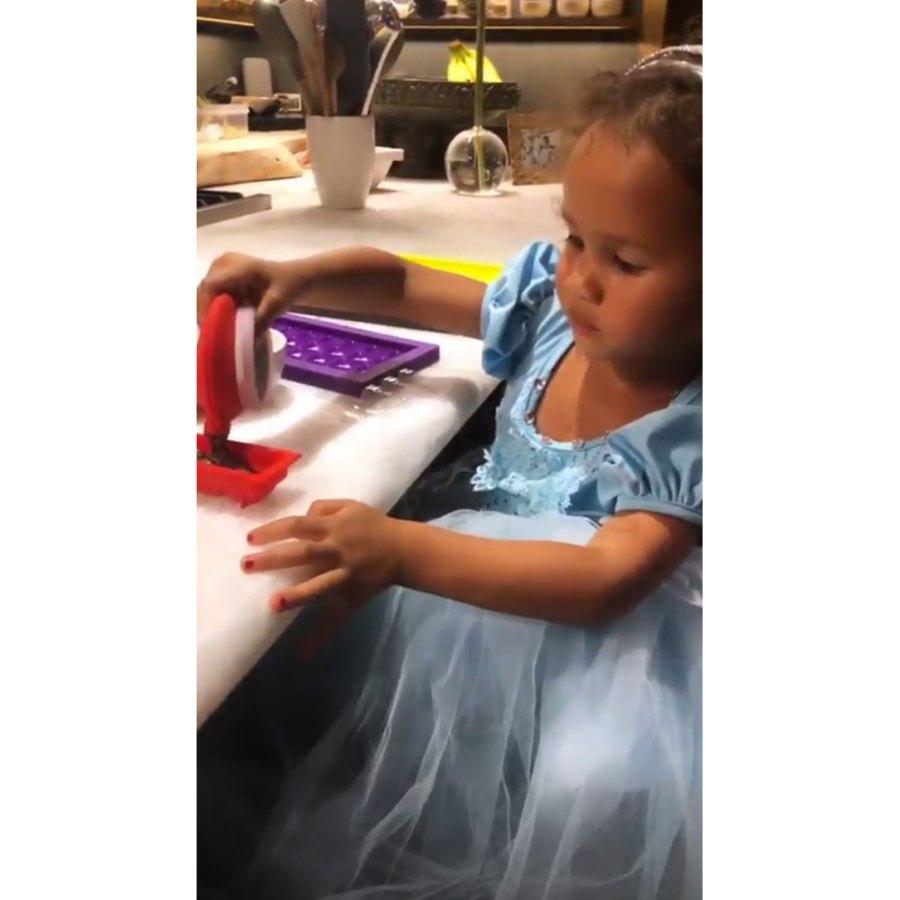 Chrissy-Teigen-John-Legend-Daughter-Luna-Princess-Dress