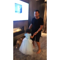 Chrissy-Teigen-John-Legend-Daughter-Luna-Princess-Dress
