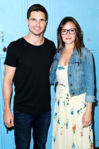Italia Ricci Admits Robbie Amell Are Not Prepared to Welcome 1st Child