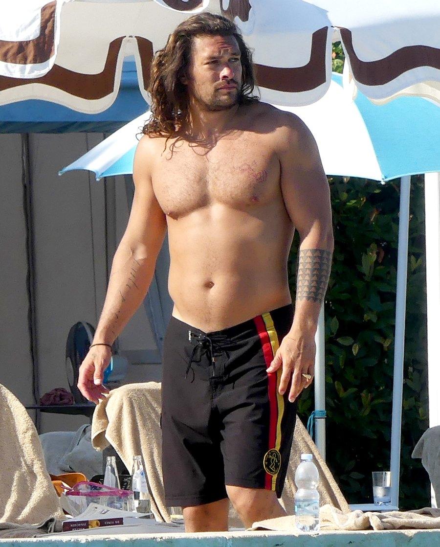 Jason-Momoa-shirtless-in-Venice