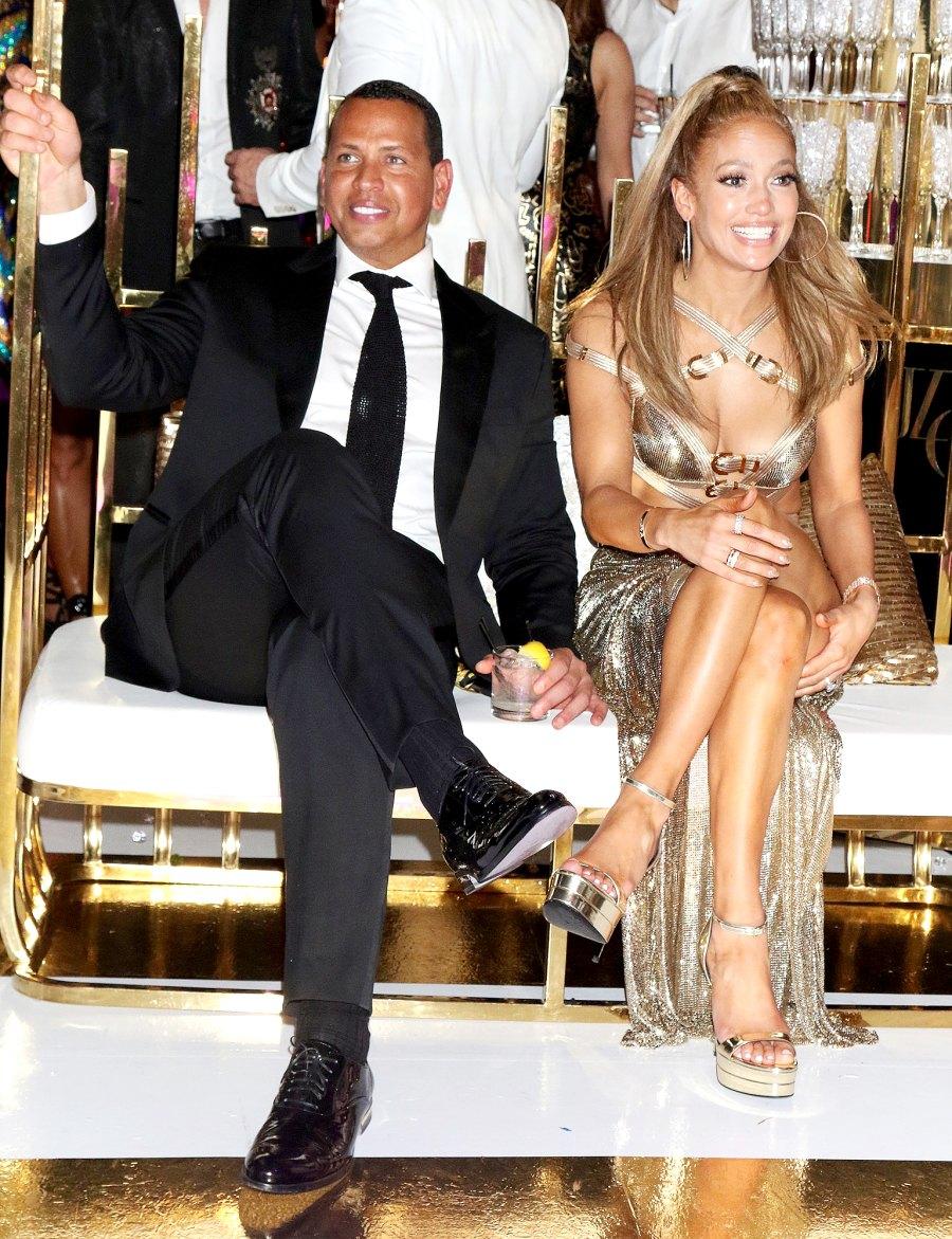 Jennifer-Lopez-and-Alex-Rodriguez-50th-birthday-kiss-celebration