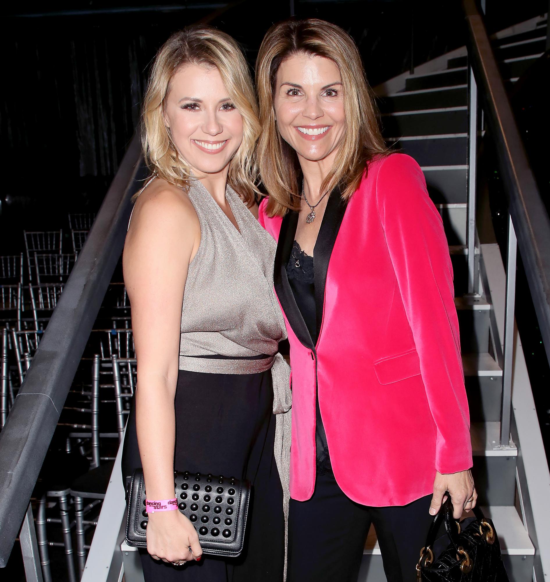 Jodie-Sweetin-and-Lori-Loughlin