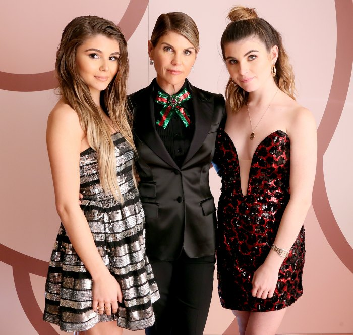Lori-Loughlin's-Daughters-Kicked-Out-of-Sororities-at-USC
